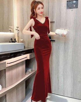 Temperament long bride mermaid V-neck sexy dress