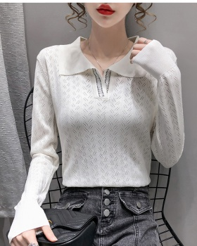 Doll collar bottoming shirt wears outside sweater for women