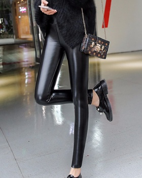 Tight thermal leather pants plus velvet leggings for women