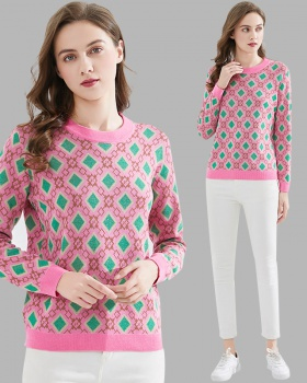 Pink pullover plaid jacquard sweater for women