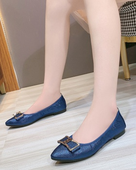 Soft soles flat large yard pointed shoes