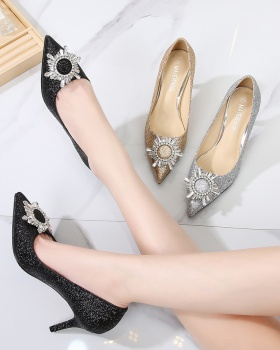 Large yard pointed shoes sun flower stilettos