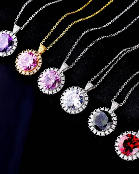 Colorful luxurious diamond pendant necklace