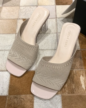 Thick slippers wears outside high-heeled shoes for women