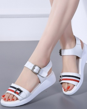 Platform soles wears outside fashion sandals for women