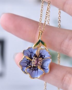 Flowers European style necklace