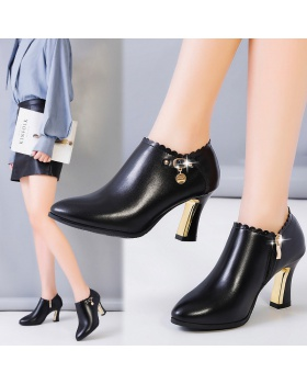 Autumn black leather shoes low shoes for women