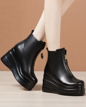 Trifle thick crust platform slipsole short boots for women