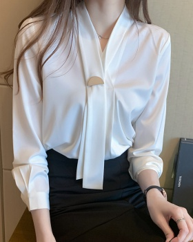 Long sleeve spring business satin commuting shirt for women