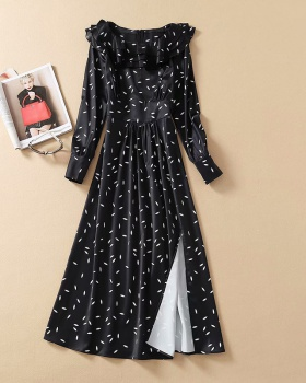 Split fungus collar bottoming printing dress