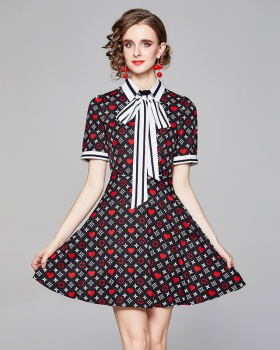 Pinched waist slim all-match short sleeve fashion dress
