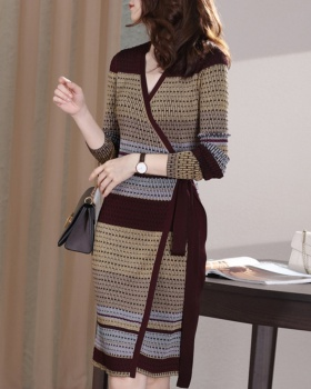 V-neck mixed colors knitted long sleeve dress for women