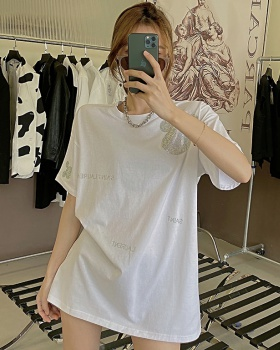 Large yard short sleeve white T-shirt for women