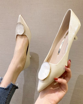 Fashion and elegant high-heeled shoes fine-root shoes