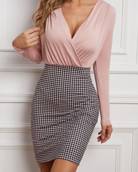 V-neck autumn knitted long houndstooth dress
