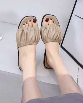 Flat Korean style fish mouth slippers for women