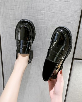 Black lazy shoes small leather shoes for women