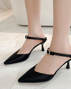 Pointed high-heeled fine-root fashion slippers