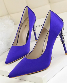 Korean style low wedding shoes metal sexy shoes for women